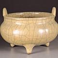 南宋至元代的哥窯米黃釉鼎式爐