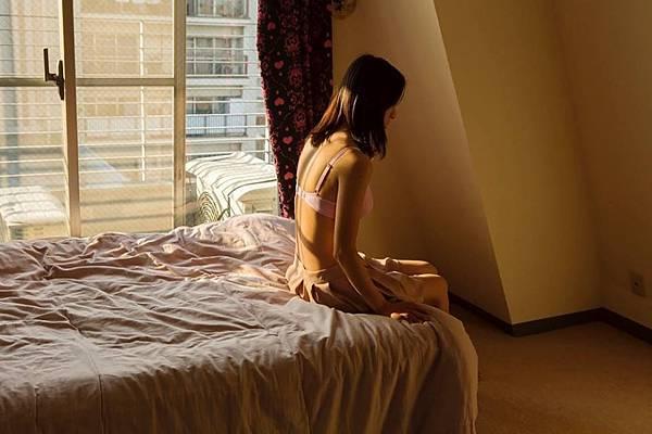 好時光文創傳媒企圖建立「小說改編電影產業模式」的出版《密戀慾門:木子尋創作故事集》,該書的封底攝影剛入選英國藝術攝影雜誌年度競賽,作者為定居香港與日本的華人攝影家:沈坪林 (圖:Jimmy Ming Shum 提供)