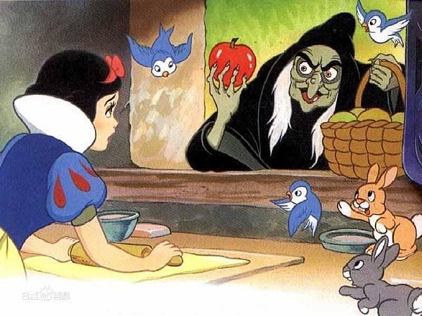 格林童話原版故事中,虐待白雪公主的王后是其生母、並非繼母