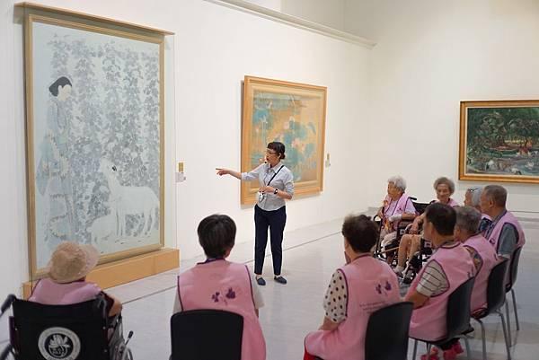 國美館「老當藝壯-美術館與我」體驗工作坊,為失智症長者規劃美術館取向的藝術治療團體活動