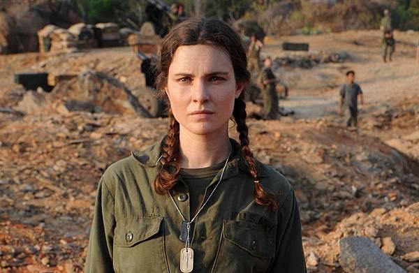 薇多莉亞普契尼(Vittoria Puccini)特地遠赴越南實地拍攝,而為忠實傳達法拉奇勇猛的採訪方式,她更效法她梳麻花辮、扮成美軍大兵,戰地氛圍十足