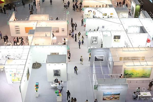 2015台北藝博首度將展展擴大至世貿一館全數空間,使參觀者與展商皆能擁有最為舒適的參展及觀展經驗。
