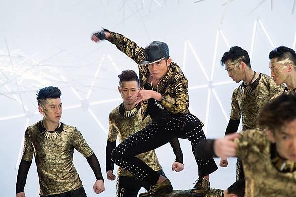 MV-與舞者一起猴靈猴現01