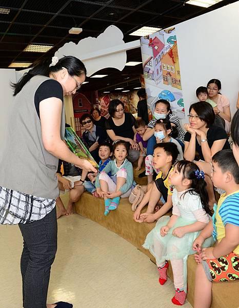 國美館兒童繪本區將推出「廉政志工說故事」活動