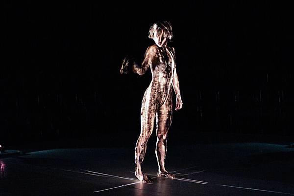 國際領航團隊-安娜琪舞蹈劇場《Second Body》 演出劇照