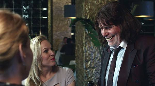 《顛父人生》(Toni Erdmann),確定獲選為今年「國際影評人費比西獎」的年度最佳影片(左為男主角)