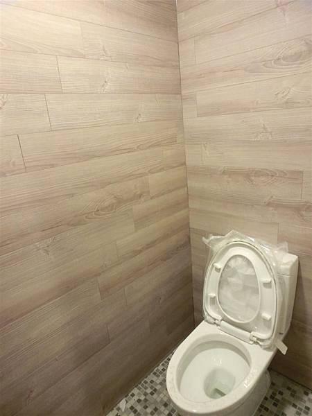 忠孝東路商空廁所-7防水地板TS-67紫香衫)