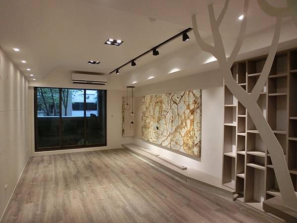 新莊豪宅-1(28坪法國阿爾薩斯625柯爾佛橡木) (1)