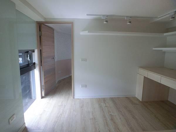 新店工地-1(18坪法國地板621加那利橡木)