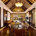 Extraordinary one-bedroom villa living room
