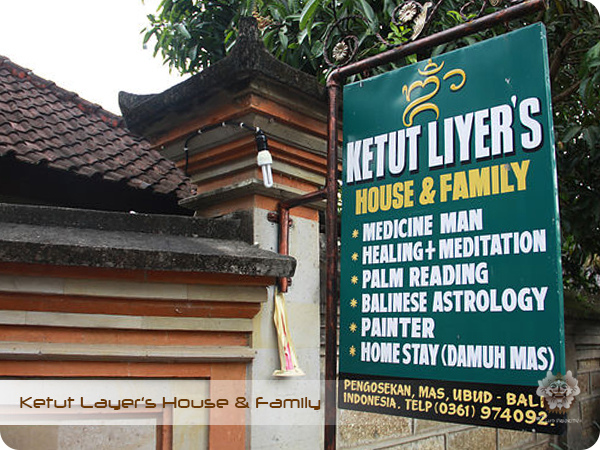 Ketut Layer's House & Family.Sign.jpg