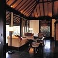 51-Living Room.jpg
