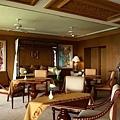 Club Lounge2_resize.jpg