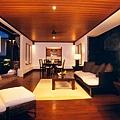 interior002.jpg