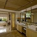 Ocean Villa Bathroom_resize_resize.jpg