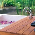 54-Outdoor Bathtub.jpg