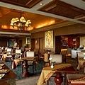 Club Lounge1_resize.jpg