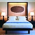 Room---Deluxe-Room---45-deg.jpg