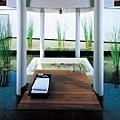 55-Outdoor Bathtub.jpg