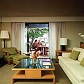 Room---Deluxe-Lagoon--Suite.jpg