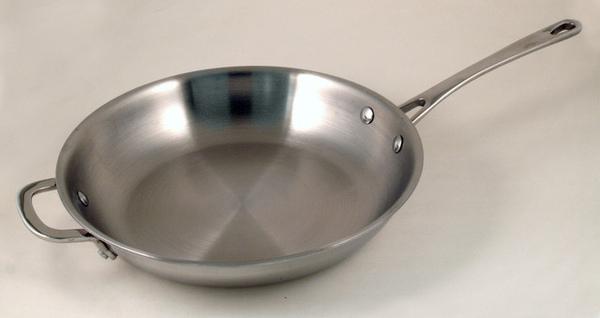 9吋三層不鏽鋼平底鍋副柄