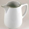 白陶瓷水壺