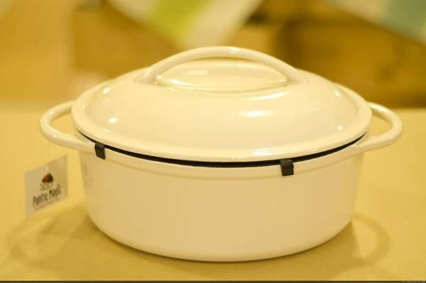 乳白色鑄鐵橢圓烤鍋