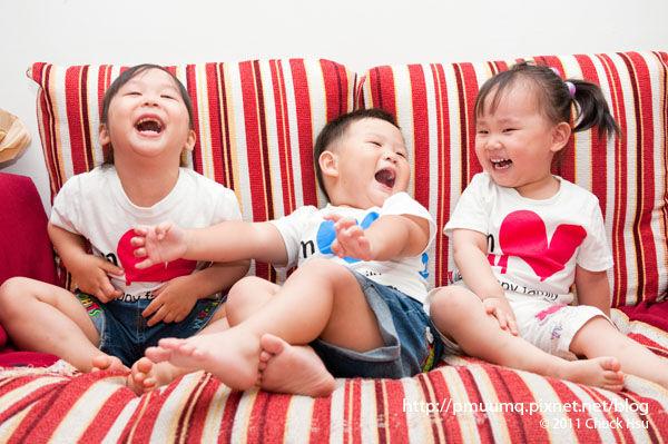 開心 自然就笑了(快樂小三裝 We're a Happy Family).jpg