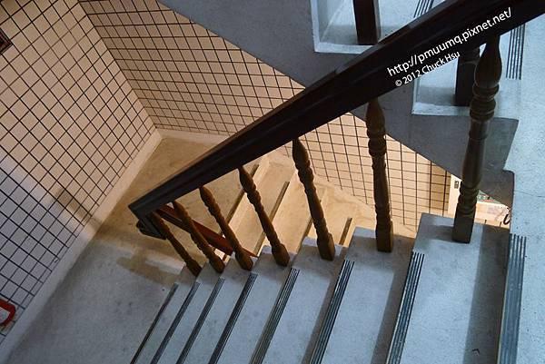水泥樓梯間
