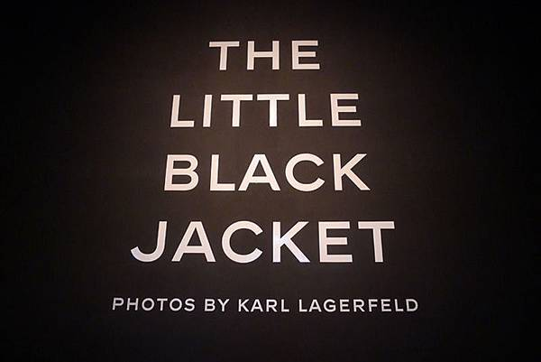The Little Black Jacket Photos BY KARL LAGERFELD(The Little Black Jacket)
