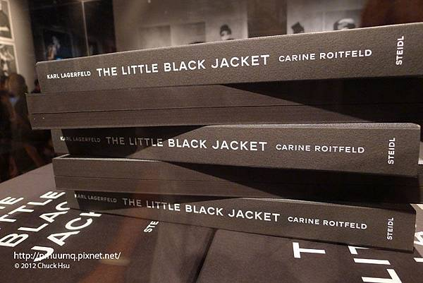 很厚實的一本(The Little Black Jacket)