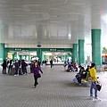 早上九點的新店捷運站
