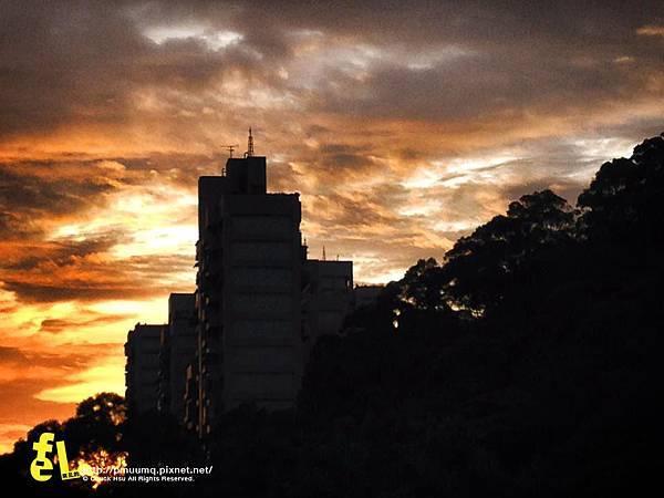 晨起的火燒雲.jpg
