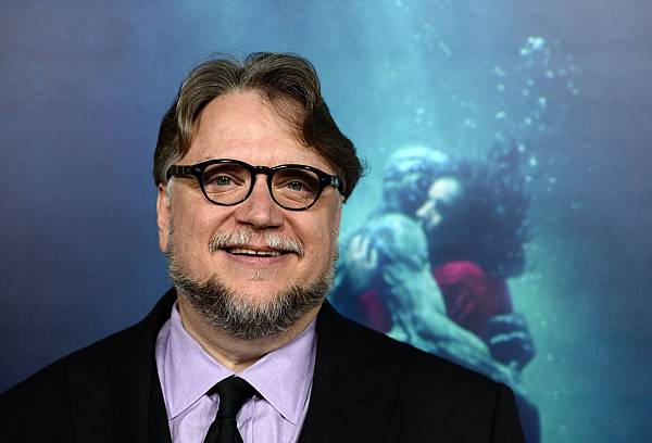 guillermo-del-toro-feature .jpg