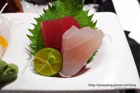 季節鮮魚刺身的沙西米有點沙逼西....(藝奇 ikki 新日本料理).jpg