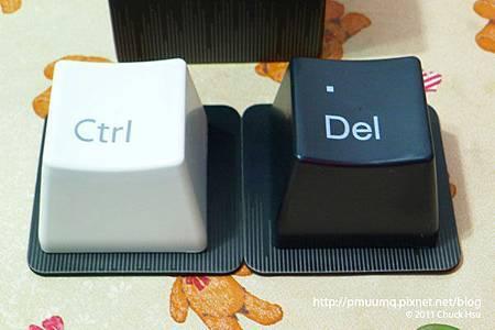 FUN設計盒子裡拿出來Ctrl跟Del的黑白郎君是做啥用的勒(藝奇 ikki 新日本料理).jpg