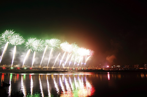 Firework (01).JPG