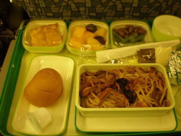 不知算不算美食的長榮飛機餐TPE->SIN(1)