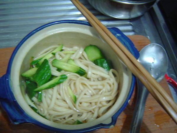 阿呆麵成品+小黃瓜