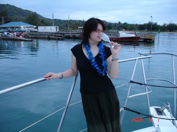 美人魚號喝香檳.jpg