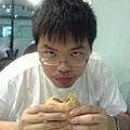 漢堡不錯吃.JPG