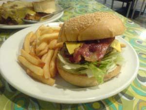 讓我想到哈帝漢堡....JPG