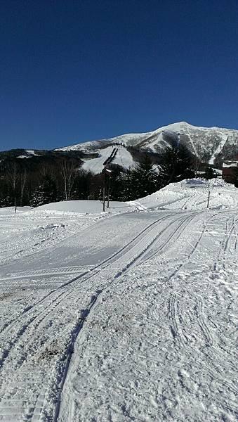 遠方那座山是高難度滑雪場