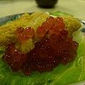 海膽鮭魚卵生菜手捲