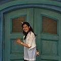 這是一個很詭異的門....如果你想要推開進去.....就會出現閃電