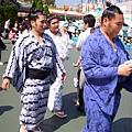 相撲也來迪士尼玩