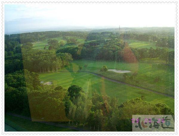 窗外的高爾夫球場