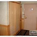 門口和鞋櫃