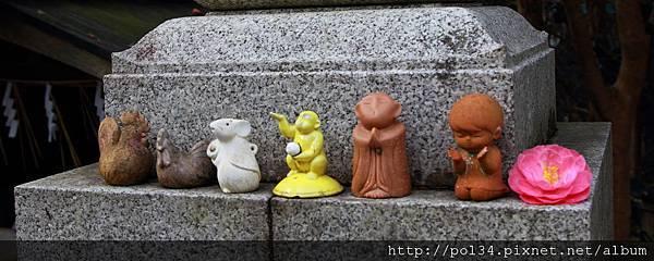 大豐神社前的娃娃