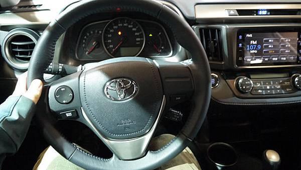 SUV_P1140101